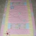 Zöld-sárga-rózsaszín,patchwork takaró 16x16cm-es kockákból, falvédőnek is alk., Otthon, lakberendezés, Lakástextil, Falvédő, Takaró, ágytakaró, Varrás, Patchwork, foltvarrás, Egy hasznos takaró lányoknak méret: 150x84cm Ez a takaró alkalmas ágy letakarására és takarózásra i..., Meska