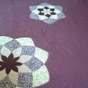 Lila patchwork takaró, Otthon, lakberendezés, Lakástextil, Takaró, ágytakaró, Varrás, Patchwork, foltvarrás, Egyedi készítésű takaró méret:200x200cm Ez a takaró alkalmas ágy letakarására és takarózásra is. Az..., Meska