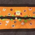 Narancssárga patchwork falvédő, takaró bagoly és virág, nyuszi applikációval, Otthon, lakberendezés, Lakástextil, Falvédő, Takaró, ágytakaró,  méret: 200x80cm Ez a takaró alkalmas ágy letakarására és takarózásra is.Az anyagot varrás ..., Meska