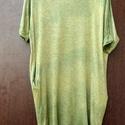 Zöldövezet, Ruha, divat, cipő, Női ruha, Ruha, Zöldek előtérben: Fűzöld és banán zöld textilfestékkel batikolt tunika. Széles nyakkivágás,amit hátu..., Meska