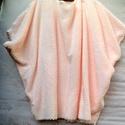 Puha álom , Ruha, divat, cipő, Női ruha, Ruha, Poncsó, Varrás, Foltberakás, Cuki puhaság! Finom,puha kelméből varrt meleg poncsó, pulóver.Halvány rózsaszínben,kényeztető érzés..., Meska