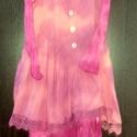 Hajnalpír, Ruha, divat, cipő, Női ruha, Ruha, Püspöklila,rózsaszín árnyalatival és  korall színnel játszó ruha. Kókusz gombokkal,pamutcsipke rátét..., Meska