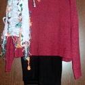 Színes bonbonok, Ruha, divat, cipő, Női ruha, Felsőrész, póló, Kendő, sál, sapka, kesztyű, Varrás, Festett tárgyak, Meggypiros-bordó színű ,tégla alakú pulóver, alatta fekete,bordázott trikóval. Bolondos,púder színű..., Meska