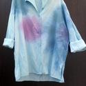 Mossa az eső, Ruha, divat, cipő, Női ruha, Blúz, Halvány,alig kék színű női ing,batikolt folt festéssel készült. Kihajtós nyakkal,végig gombosan,olda..., Meska