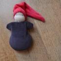 Barna ruhás waldorf marok manó , Játék, Baba-mama-gyerek, Plüssállat, rongyjáték, Baba játék, Puha kis manó a legkisebbeknek!  Teste puha gyapjúval van tömve, piros sapkája és barna ruhája pedig..., Meska