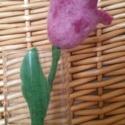 Nemez tulipán, Dekoráció, Otthon, lakberendezés, Baba-mama-gyerek, Ünnepi dekoráció, Kedves és színes nemez tulipánok, melyek nemcsak tavasszal nyílnak otthonodban.  Ajándékozd meg szer..., Meska