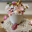 Anyák napi dísz, Otthon & Lakás, Dekoráció, Asztaldísz, Virágkötés, Kis virágos kaspó kerámia madárkával. Selyemvirágok felhasználásával. Anyák napjára megfelelő ajánd..., Meska