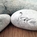 Hattyúk kavics, Képzőművészet, Otthon, lakberendezés, Dekoráció, Kerti dísz, Festett tárgyak, Ez a kavics felvidítja a napodat!  Ezek a kövek egyedülállóak. Az összes követ saját terveim alapjá..., Meska