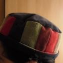 Sapi fez-stílusban, Észak-afrikai vagy törökös formájú fejfedő,...