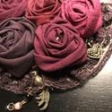Rózsás nyaklánc , Ékszer, Nyaklánc, Medál, Textilékszer gyöngyökkel, bronz fityegőkkel és csipkével  12 cm széles medál Bronzszínű, szétkapcsol..., Meska
