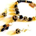 A kis fekete - szett AKCIÓ!, Ékszer, Ékszerszett, Nyaklánc,  Ahhoz a kis fekete ruhához terveztem ezt a klasszikus fekete-arany szettet gyöngyhímzett gömbökkel...., Meska