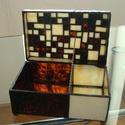 Domino doboz, Otthon, lakberendezés, Tárolóeszköz, Doboz, Üvegművészet, Ólomüveg doboz geometrikus mintákkal, téglalap alappal, belül osztással. A jelenleg készleten lévő ..., Meska