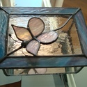 pillangós doboz, Otthon, lakberendezés, Tárolóeszköz, Doboz, Üvegművészet, téglalap alapú doboz, tetején pillangóval. Természetesen bármilyen színösszeállításban kérhető, a j..., Meska