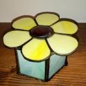 Virágos dobozka, Otthon, lakberendezés, Tárolóeszköz, Doboz, Üvegművészet, Virág alakú dobozka, jelenleg két színben, sárga-zöld, és kékes-zöldes. Kérésre más variációban is ..., Meska