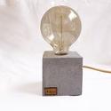 Kocka betonlámpa Edison izzóval, Otthon, lakberendezés, Lámpa, Asztali lámpa, Hangulatlámpa, Szobrászat, Kőfaragás, Egyedi beton kocka asztali lámpa, Edison izzóval. Meleg fényű izzóval, minimalista megjelenés, a be..., Meska