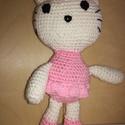 Hello Kitty, Játék, Horgolás, Horgolt Hello Kitty. A cica 22 cm magas.Biztonsági orra van. Először egy édes kislány anyukája kért..., Meska