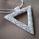 Háromszög medál \'gyongyviragom\' részére, Megrendelésre készült ez a medál, egy korábbi...