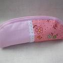 Rózsaszín tolltartó (szemüvegtartó), Táska, Neszesszer, Egyszínű és virágmintás rózsaszín anyagot használtam ehhez a tolltartóhoz (szemüvegtartóhoz), amit a..., Meska