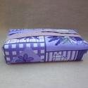 Zsebkendőtartó - levendulás, Kétféle minőségi  pamutvászon anyagból varrt...