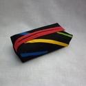 Fekete, mintás zsebkendőtartó, Kívül fekete alapon mintás, belül piros minős...