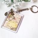 Vintage kulcstartó, Mindenmás, Ruha, divat, cipő, Ékszer, Kulcstartó, Akril, átlátszó keretben vintage képpel   készítettem ezt a kulcstartót. Bronz masni és áttetszô gyö..., Meska