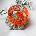 Narancs gyöngy szett, Ékszer, óra, Medál, Karkötő, Gyűrű, Narancs színű kása gyöngyök díszítik  ezt a különleges karkötôt és gyűrűt. A gyűrű és a karkötő memó..., Meska