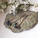 Lapis lazuli fülbevaló, Ékszer, óra, Mindenmás, Esküvő, Fülbevaló, Lapis lazuli chipsekből, 4 mm - es opalit gyöngyökből, ezüst színű fém kiegészítőkkel fülbevalót kés..., Meska