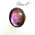 Csak légy önmagad!  gyűrű, Ékszer, óra, Esküvő, Gyűrű, Medál, Csodás antik állítható bronz gyűrű alapra, lila alapon Just be you felratot zártam üveglencse alá. S..., Meska
