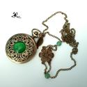 Jade bronz nyaklánc óra , Ékszer, óra, Mindenmás, Nyaklánc, Karóra, óra, Ékszerkészítés, Gyöngyfűzés, Antik hatású, áttört, virágos, közepén macskaszem köves fedlappal, díszes hátoldallal, 8 mm-es   zö..., Meska