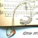 """Zene a mindenem nyaklánc, Ékszer, Férfiaknak, Nyaklánc, Medál, Ezüst színű medálra """"a király"""", hegedű és kotta képét üveglencse alá rejtettem, ami igazán egyedi és..., Meska"""
