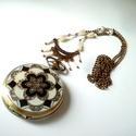 Fehér és bronz nyaklánc óra , Antik hatású fehérrel festett óra, nyitható f...