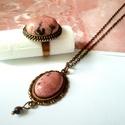 Rodonit ásvány köves nyaklánc és gyűrű, Ékszer, Ékszerszett, Gyűrű, Nyaklánc, Rodonit ásvány kő rózsaszínje nyaklánc és gyűrű formájában. A karkötő ovális medáljában az ásvány kő..., Meska