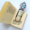 Lepkés könyvjelzô , Naptár, képeslap, album, Ékszer, Dekoráció, Könyvjelző, Ezüst színű, könyvjelző alapra üveglencse alá rejtettem egy kék lepke képet, a könyvjelző..., Meska