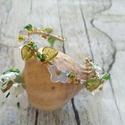 Tavaszköszöntő, drótszövött memőria karkötő virág és levél üveggyöngyökkel, Tavaszköszöntő, memőria drót alapra, ékszerd...