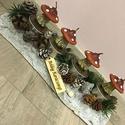Karácsonyi gombás asztaldísz, Az asztaldísz hossza kb. 25 cm, fehér fahasáb, ...