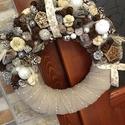 Tollpihés karácsonyi kopogtató, A kopogtató átmérője 25 cm, termésekkel kb.28...