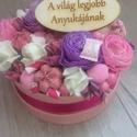 Anyák napi virág box , A rózsaszín box átmérője 13 cm. Ebbe tűzőha...