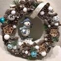 Hóemberes karácsonyi kopogtató, A kopogtató 20 cm alapra készült, termésekkel ...