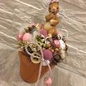 Húsvéti Nyuszis asztaldísz , Dekoráció, Otthon, lakberendezés, Húsvéti díszek, Ünnepi dekoráció, Az asztaldísz magassága kb. 19-20 cm. Egy cserépbe kerültek a különböző termések, virágok, húsvéti t..., Meska