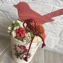 Asztaldísz madaras, Dekoráció, Otthon, lakberendezés, Dísz, Asztaldísz, Az asztaldísz magassága kb. 18-20 cm. Egy rózsás kerámiába kerültek a különböző termések, virágok, g..., Meska