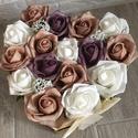 Virágbox rózsából  szívalakú, Dekoráció, Otthon, lakberendezés, Asztaldísz, Dísz, A szív alakú rózsabox szélessége kb. 22 cm amibe barna-lila-fehér rózsák kerültek rezgő virággal.  K..., Meska