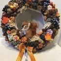 Őszi ajtódísz, kopogtató mókussal, A kopogtató átmérője 20 cm, végleges mérete ...