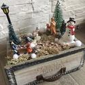 Karácsonyi kisváros fiókban, A  fiók szélessége kb. 19 cm. A tűzőhabra rö...