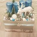 Adventi box rénszarvassal, Otthon, lakberendezés, Dekoráció, Karácsonyi, adventi apróságok, Ünnepi dekoráció, A  box mérete kb. 18x20x15 cm. A tűzőhabra rögzítettem a különböző téli terméseket, gömböket, fenyőf..., Meska