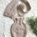 Újszülött  babaszett, Gyerek & játék, Táska, Divat & Szépség, Baba-mama kellék, Ruha, divat, Sál, sapka, kesztyű, Bézs színű 2 részes, babaszett fotózáshoz.  0-2 hónapos korig, Meska