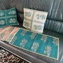 Karácsonyi asztali szett textilek, Otthon, lakberendezés, Asztaldísz, Lakástextil, Párna, 4 db-os karácsonyi szett. 2 db asztali futó  35 x70 cm 2 db díszpárna huzat.  40x34 cm Zöld, -ezüst-..., Meska
