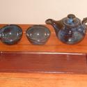 Kis kanna csészékkel és tálcával, Otthon, lakberendezés, Konyhafelszerelés, Kancsó , Kerámia,  Magas tüzű ( 1240 fokon égetett)korongozott kerámia kanna,2 csészével és tálcával.  A kis kanna ak..., Meska