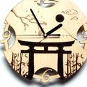 Japán mintás falióra, Tori kapuval, Otthon & Lakás, Dekoráció, Falióra & óra, Gravírozás, pirográfia, Rétegelt lemez alapú falióra, amit pirográf technikával készült, cseresznyefa ággal, tori kapuval  ..., Meska