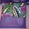 Lila virágos bőr táska , Táska, Válltáska, oldaltáska, Varrás, Közepes  méretű válltáska puha valódi  bőrrel. Szép sötét lila színű minőségi  bőr.   Az anyag szép..., Meska