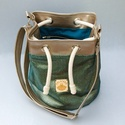 Kolorkka LUXURY türkiz bucket bag / oldaltáska, Táska, Válltáska, oldaltáska, Varrás, Nagyon különleges, magas minőségű, színjátszó anyagból készült oldaltáska, ami hol ezüstösebb, hol ..., Meska